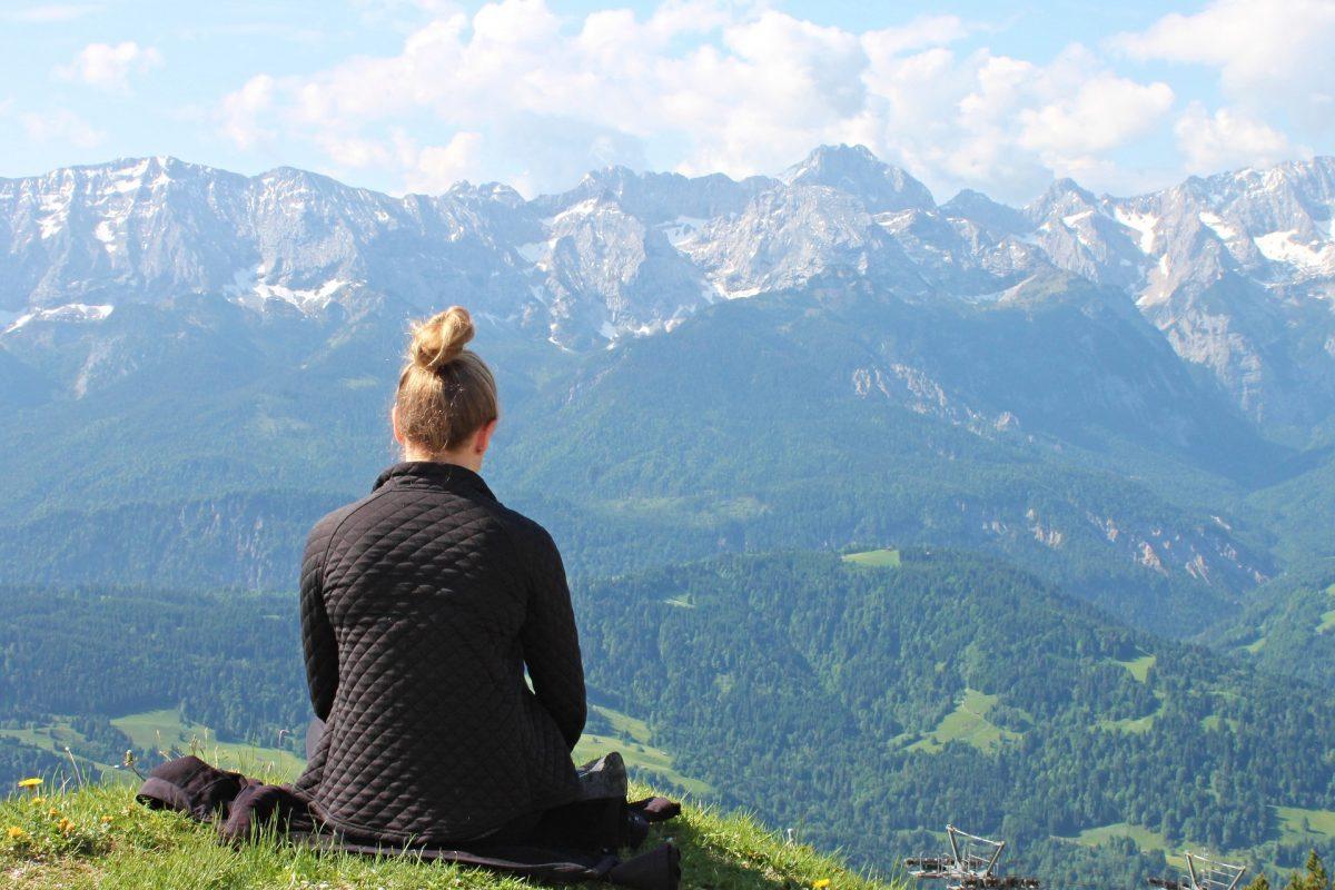 retreat meditation mountain